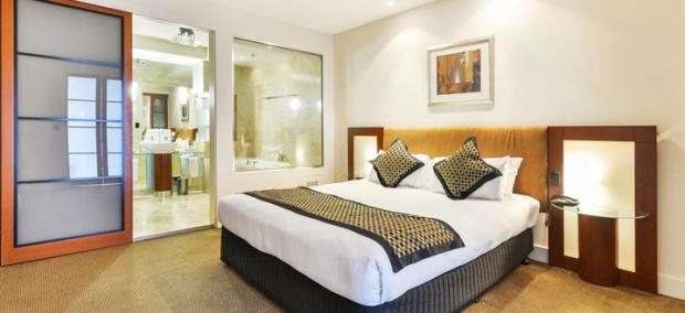 Peppers-Waymouth-Hotel-Deluxe-Suite5.t50476